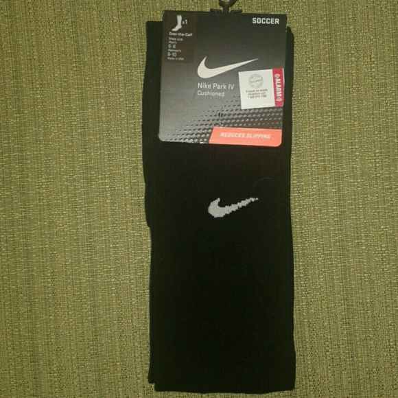 best authentic d7654 7aa17 Nike soccer socks men 6-8 women 6-10